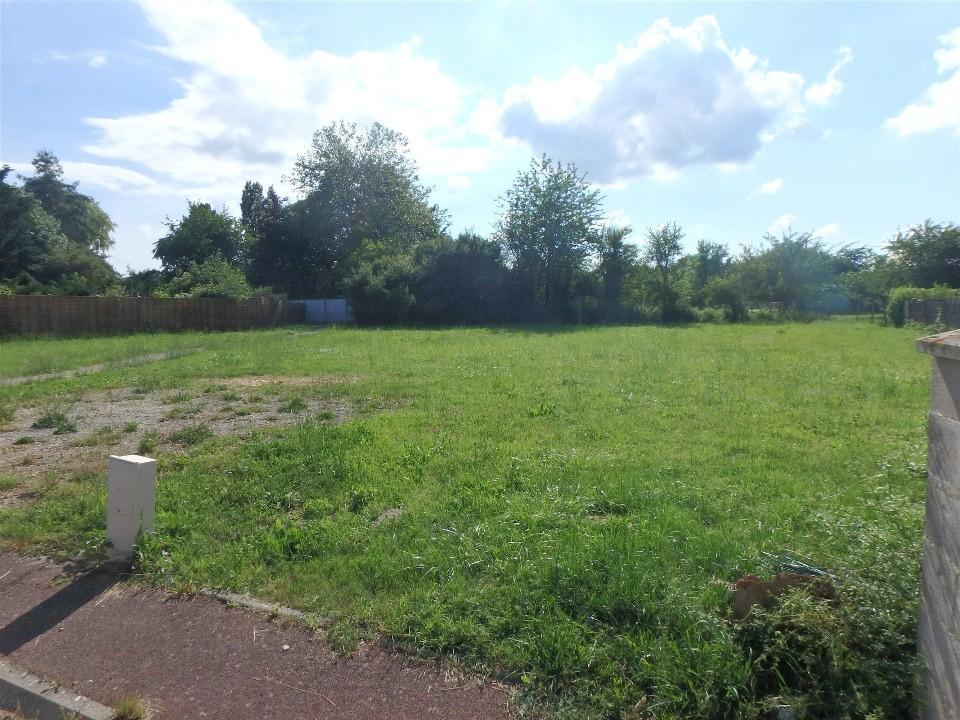 Terrains du constructeur MAISONS FRANCE CONFORT • 700 m² • MONDREVILLE