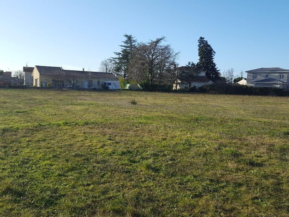Terrains du constructeur MAISONS FRANCE CONFORT • 378 m² • ROMANS SUR ISERE