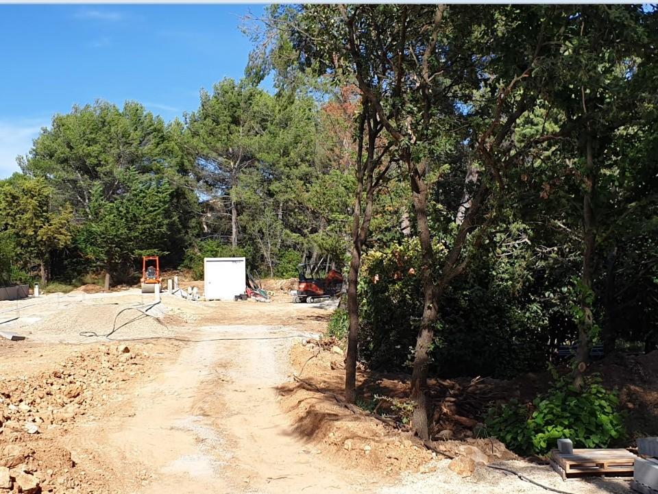 Terrains du constructeur MAISONS FRANCE CONFORT • 314 m² • LAMBESC