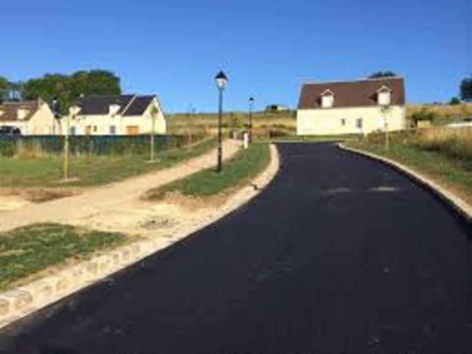 Terrains du constructeur MAISONS FRANCE CONFORT • 664 m² • MORIENVAL