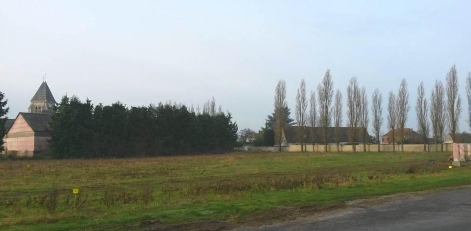 Terrains du constructeur MAISONS FRANCE CONFORT • 560 m² • AVRIGNY