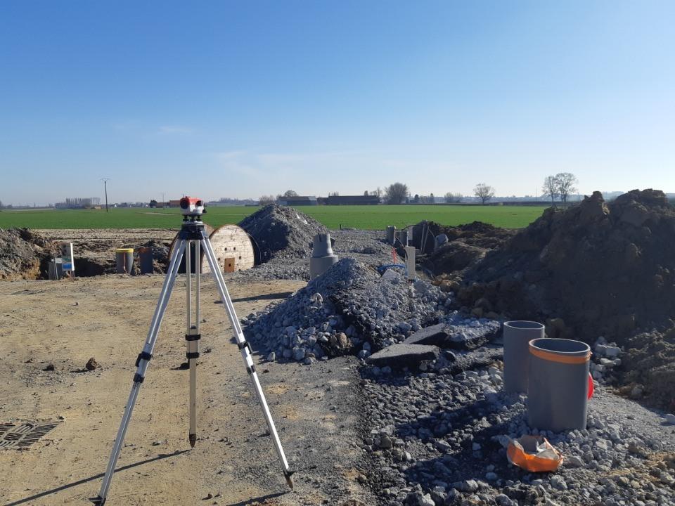Terrains du constructeur MAISONS FRANCE CONFORT • 425 m² • STAPLE