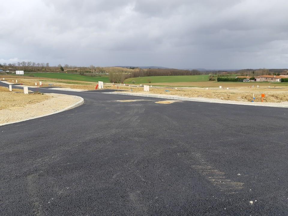 Terrains du constructeur MAISONS FRANCE CONFORT • 550 m² • GEMIL