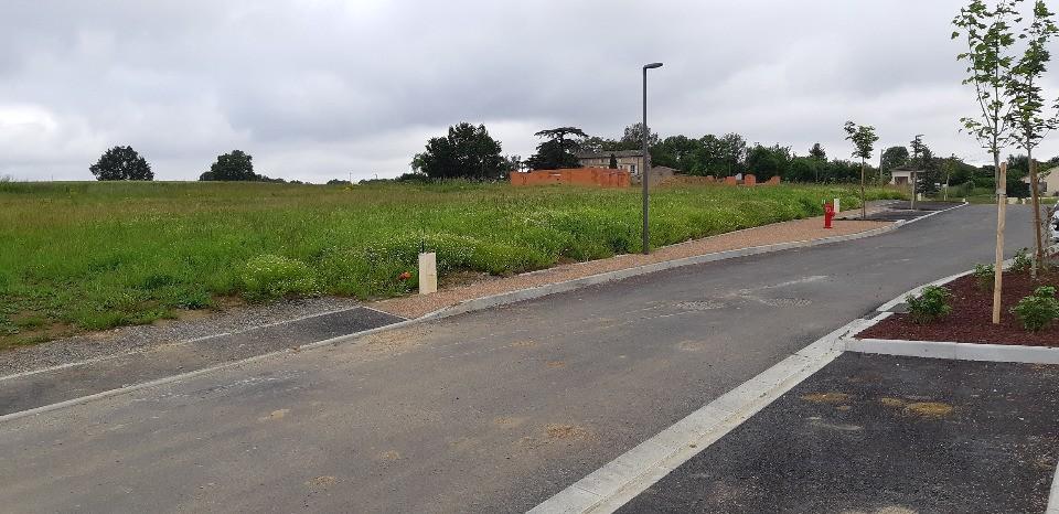Terrains du constructeur MAISONS FRANCE CONFORT • 1369 m² • VILLARIES