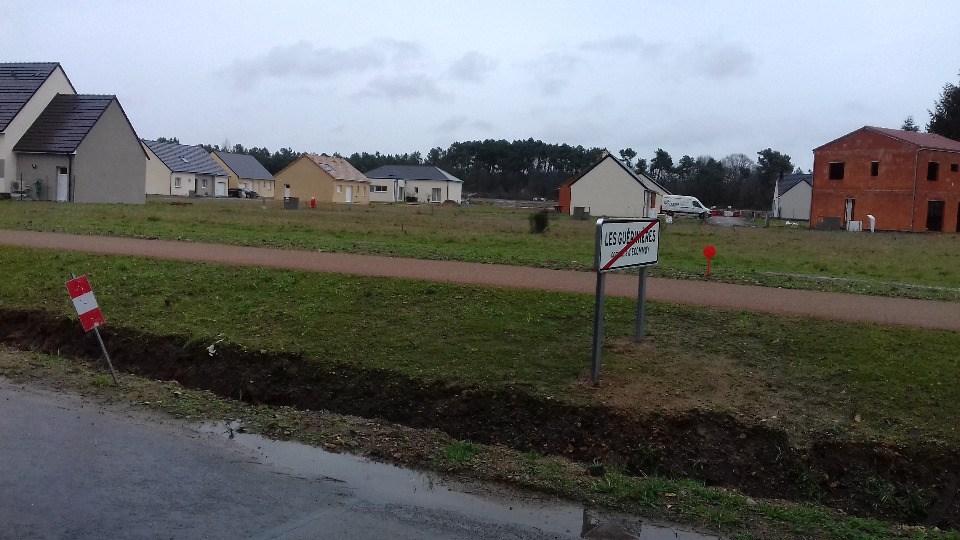 Terrains du constructeur MAISONS FRANCE CONFORT • 587 m² • ECOMMOY