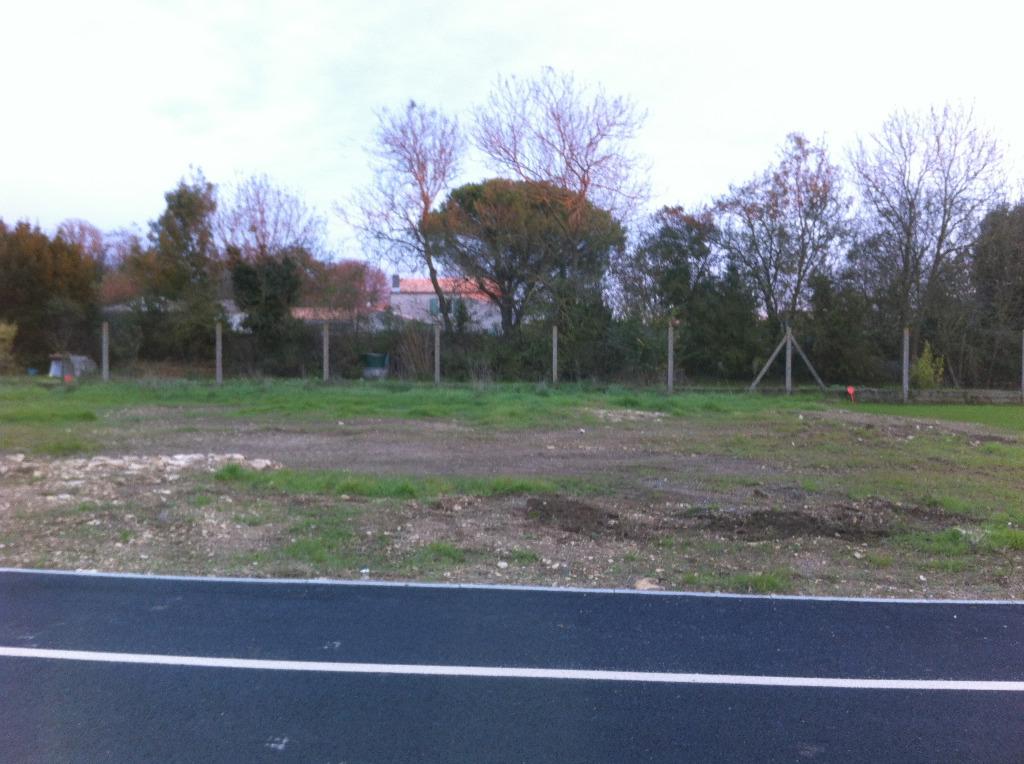 Terrains du constructeur MAISONS ARLOGIS • 401 m² • TONNAY CHARENTE