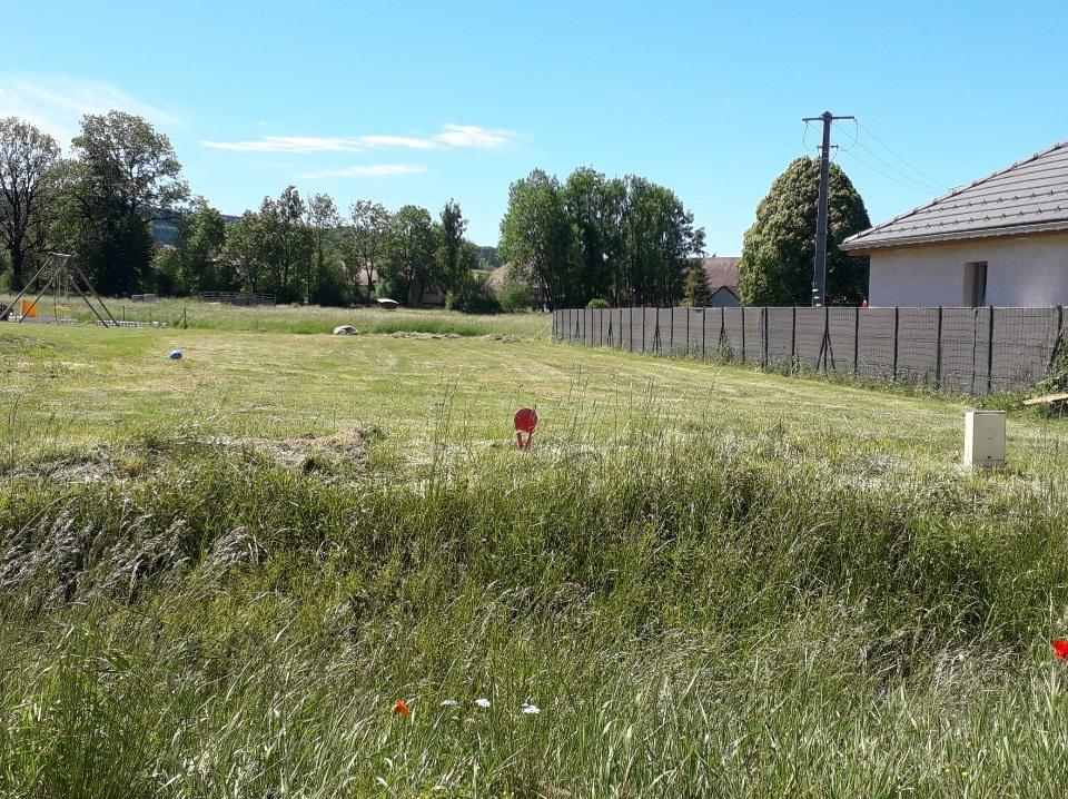 Terrains du constructeur MAISONS FRANCE CONFORT • 693 m² • SIROD