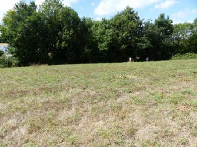 Terrains du constructeur LMP CONSTRUCTEUR • 550 m² • SAINT JULIEN DES LANDES
