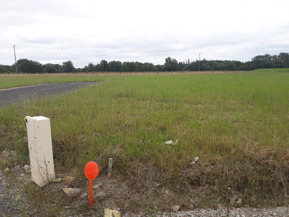 Terrains du constructeur LMP CONSTRUCTEUR • 660 m² • L'HERMENAULT