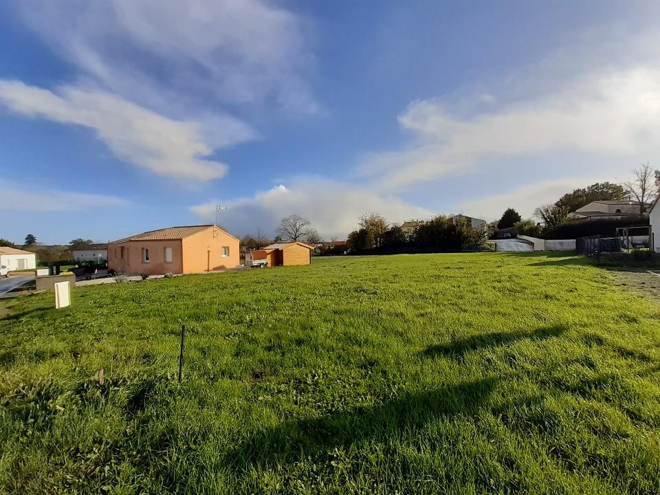 Terrains du constructeur LMP CONSTRUCTEUR • 878 m² • L'HERMENAULT