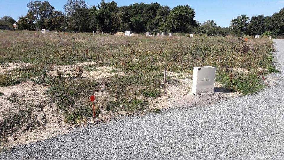 Terrains du constructeur LMP CONSTRUCTEUR • 508 m² • AUBIGNY
