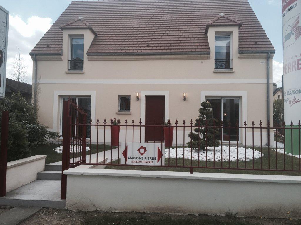 Maisons du constructeur MAISONS PIERRE  BEAUVAIS • 103 m² • VERBERIE