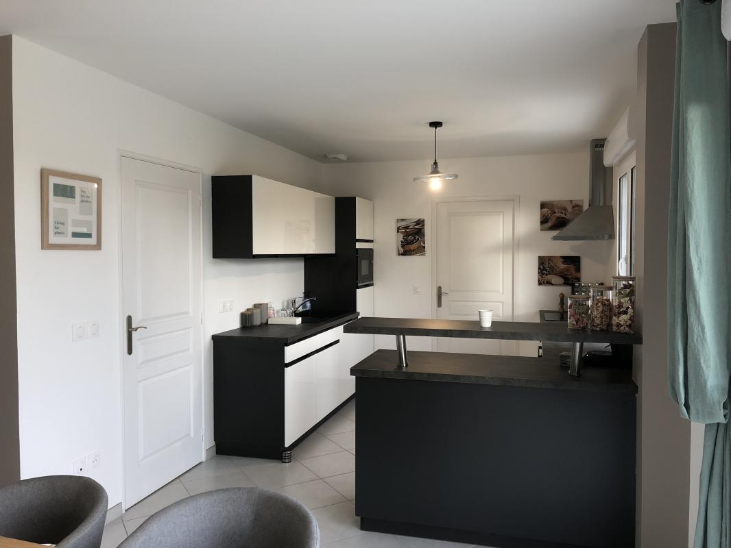 Maisons du constructeur MAISONS PIERRE STE GENEVIEVE DES BOIS • 104 m² • BRIERES LES SCELLES