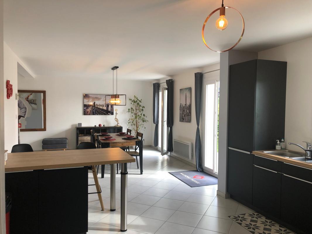 Maisons du constructeur MAISONS PIERRE STE GENEVIEVE DES BOIS • 126 m² • VALPUISEAUX