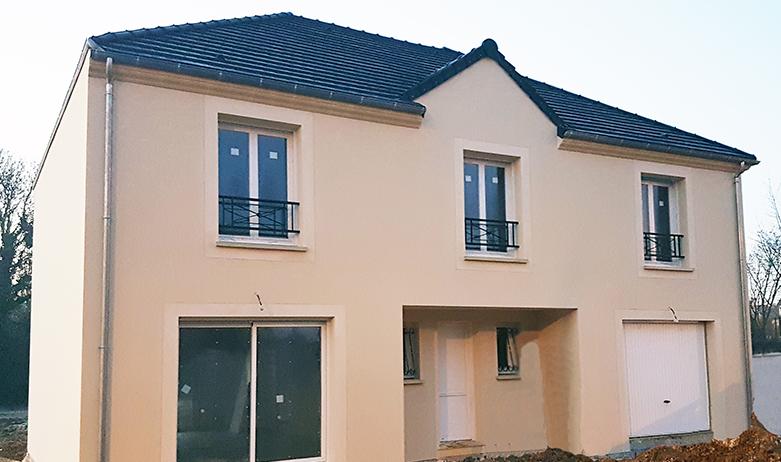 Maisons du constructeur MAISONS PIERRE MONTEVRAIN • 151 m² • SAINT PATHUS