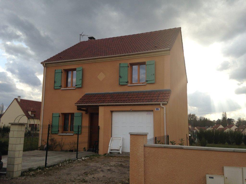Maisons du constructeur MAISONS PIERRE VILLE DU BOIS • 104 m² • SAINT GERMAIN LES ARPAJON