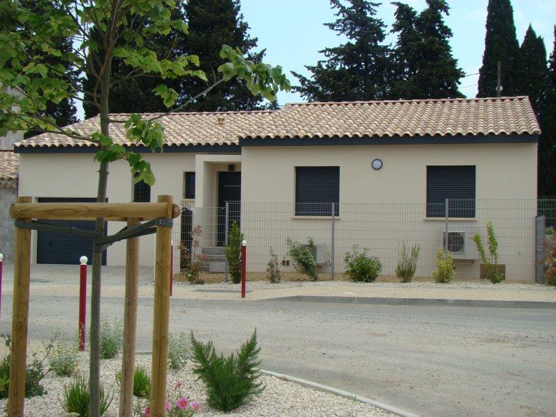 Maisons du constructeur ALPHA VILLAS • 76 m² • CHATEAUNEUF DU PAPE