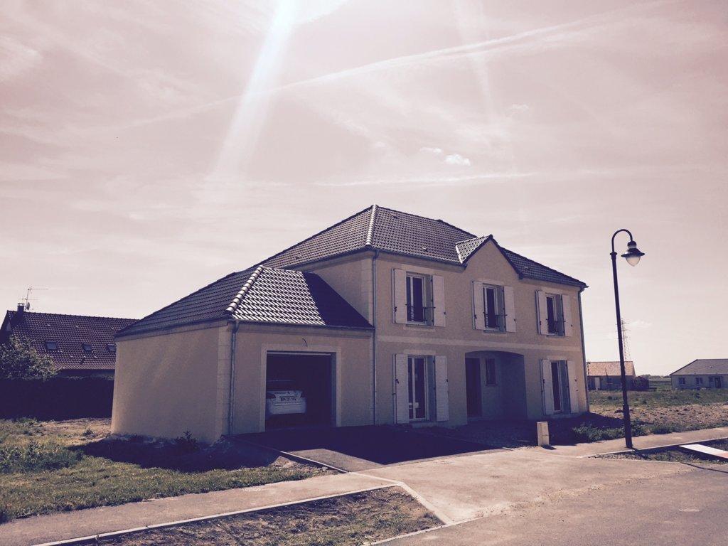 Maisons du constructeur MAISONS PIERRE AMIENS • 152 m² • PONT DE METZ