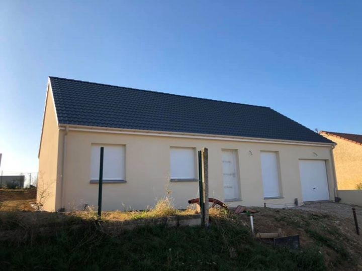 Maisons du constructeur MAISONS PIERRE • 90 m² • AILLY SUR NOYE