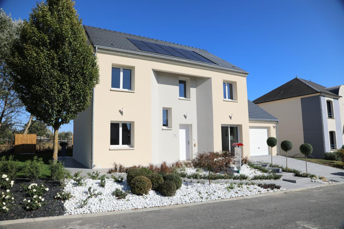Maisons du constructeur MAISONS PIERRE CHARTRES • 133 m² • CHARTRES