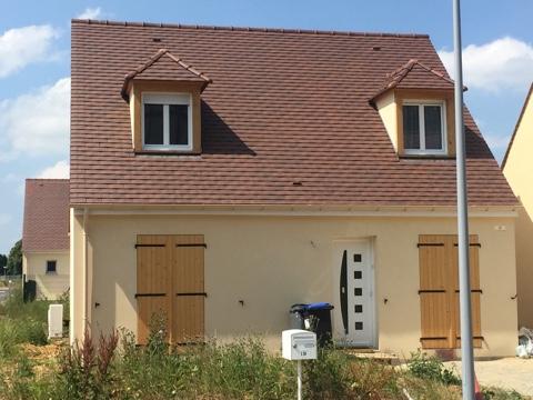 Maisons du constructeur MAISONS PIERRE ASNIERES • 89 m² • LINAS