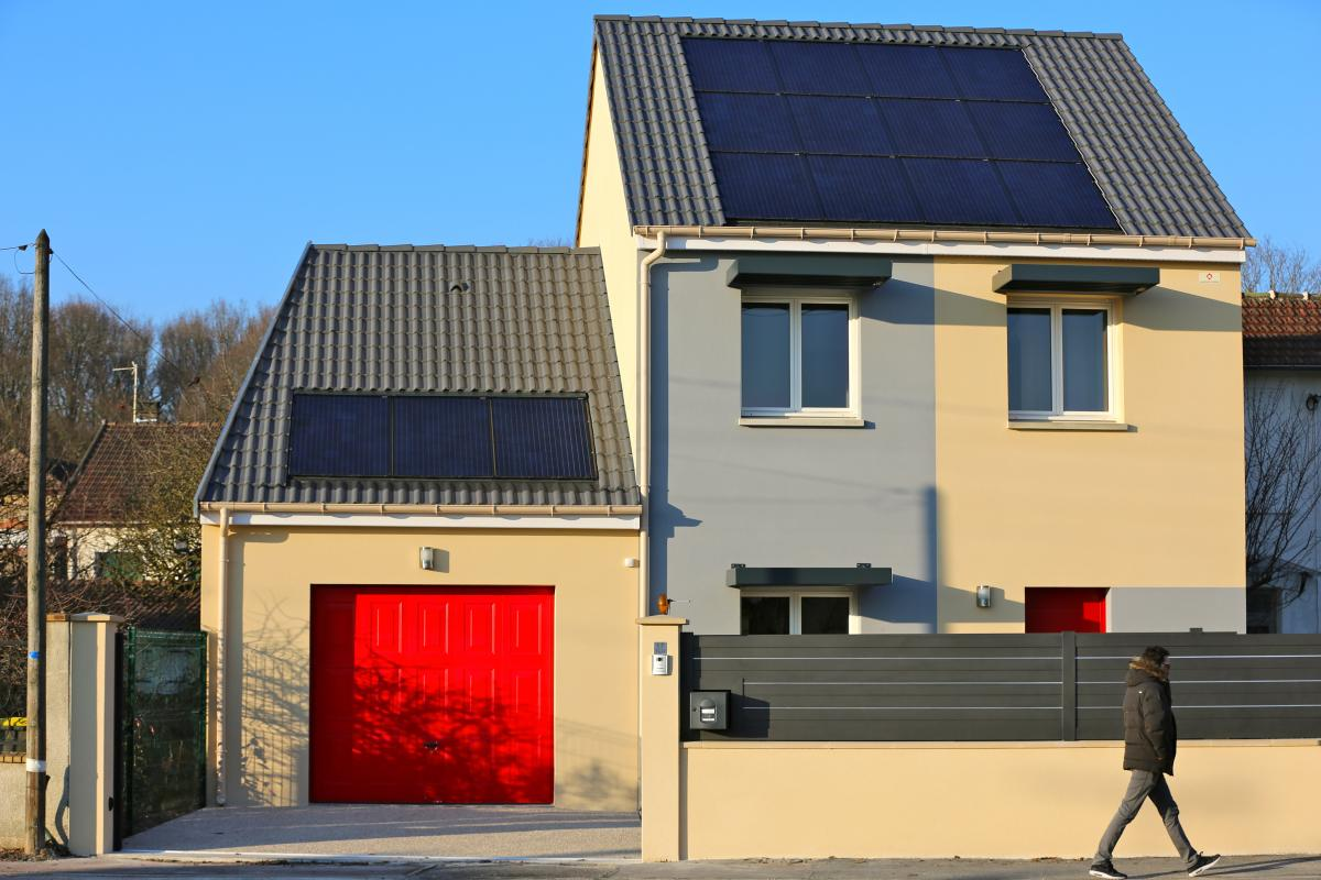 Maisons du constructeur MAISONS PIERRE ASNIERES • 80 m² • GRIGNY