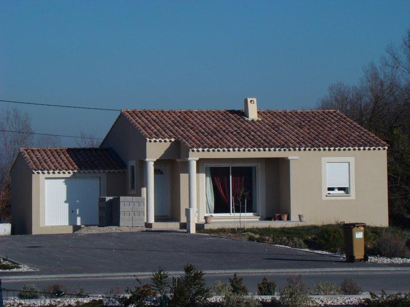 Maisons du constructeur SAS DEMEURES DE PROVENCE SUD • 88 m² • NOVES