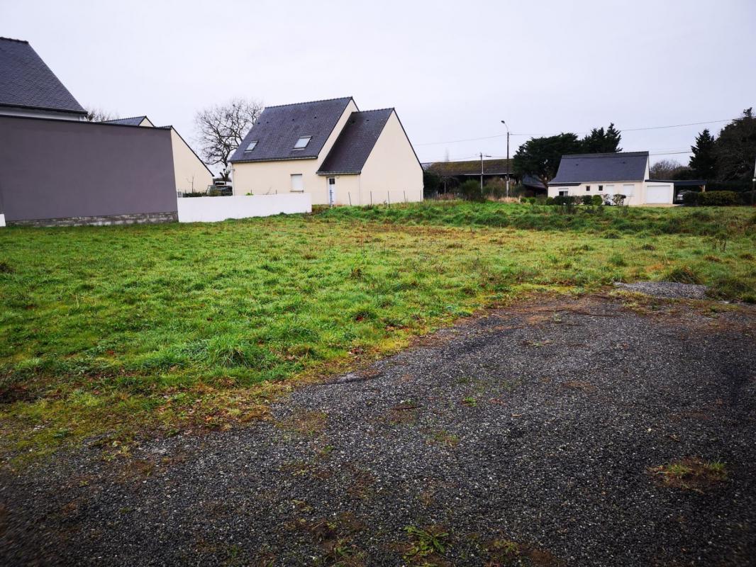 Terrains du constructeur MAISONS KERBEA VANNES • 579 m² • NOYALO