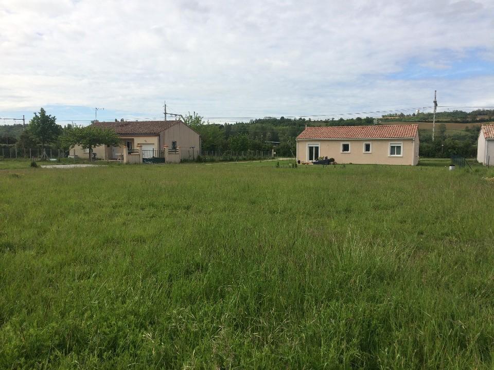 Terrains du constructeur MAISONS FRANCE CONFORT • 930 m² • AVIGNONET LAURAGAIS