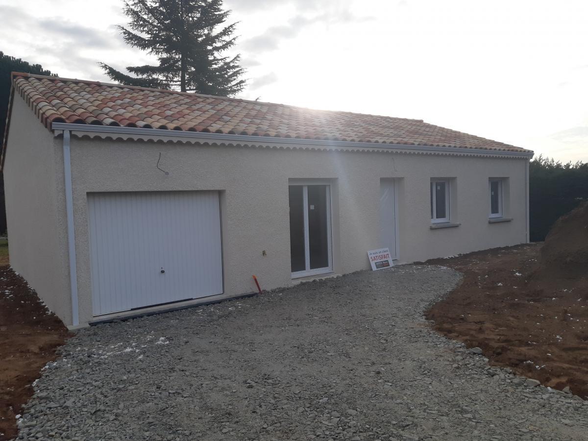 Maisons du constructeur MAISONS CEVI 26 • 90 m² • ROMANS SUR ISERE