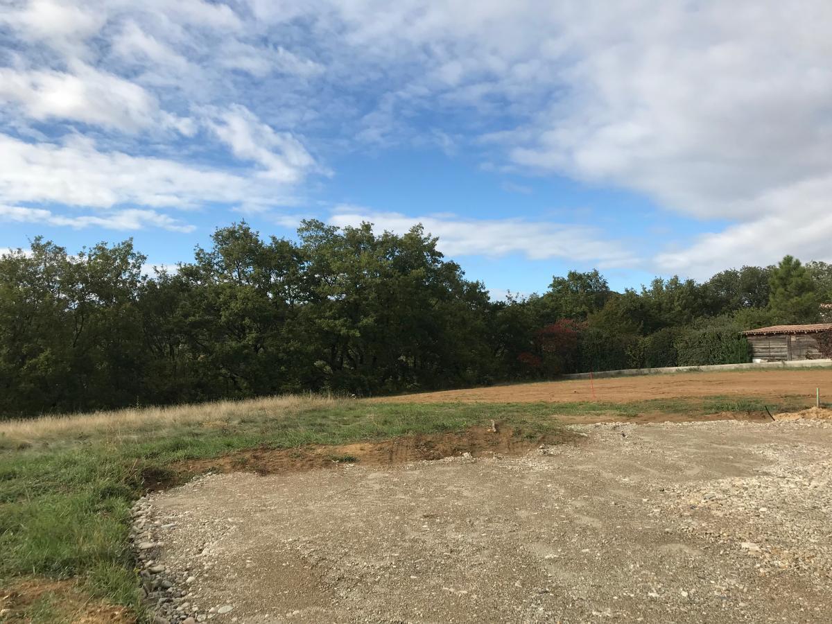 Terrains du constructeur MAISONS CEVI 26 • 603 m² • SAINT DONAT SUR L'HERBASSE