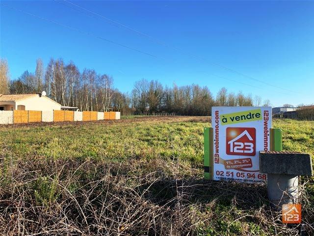 Terrains du constructeur 123WEBIMMO.COM • 1410 m² • SAINT HILAIRE LE VOUHIS