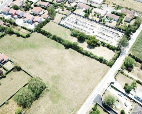Terrains du constructeur SEFI • 250 m² • VILLIEU LOYES MOLLON