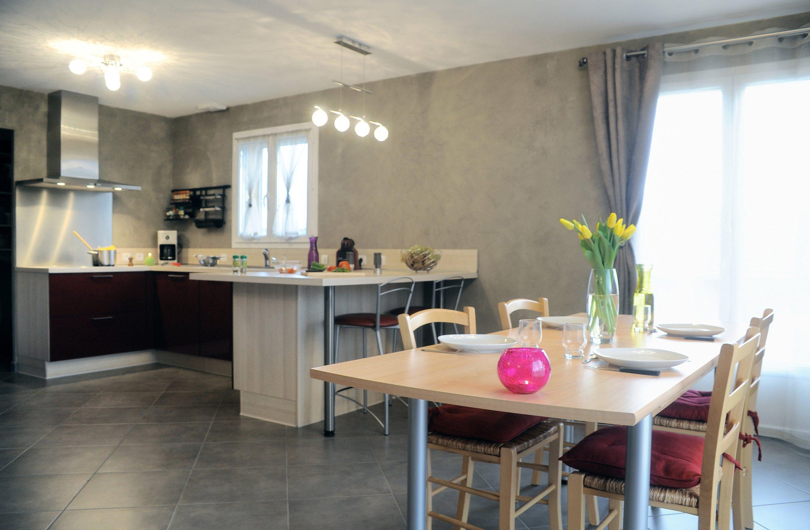Maisons + Terrains du constructeur MAISON FAMILIALE SAINT QUENTIN • 103 m² • BRUYERES ET MONTBERAULT