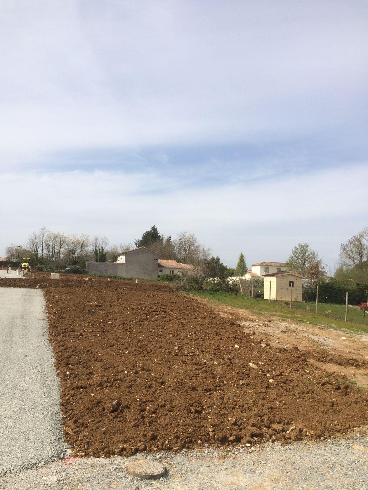 Terrains du constructeur DELRIEU CONSTRUCTION • 350 m² • CHAURAY