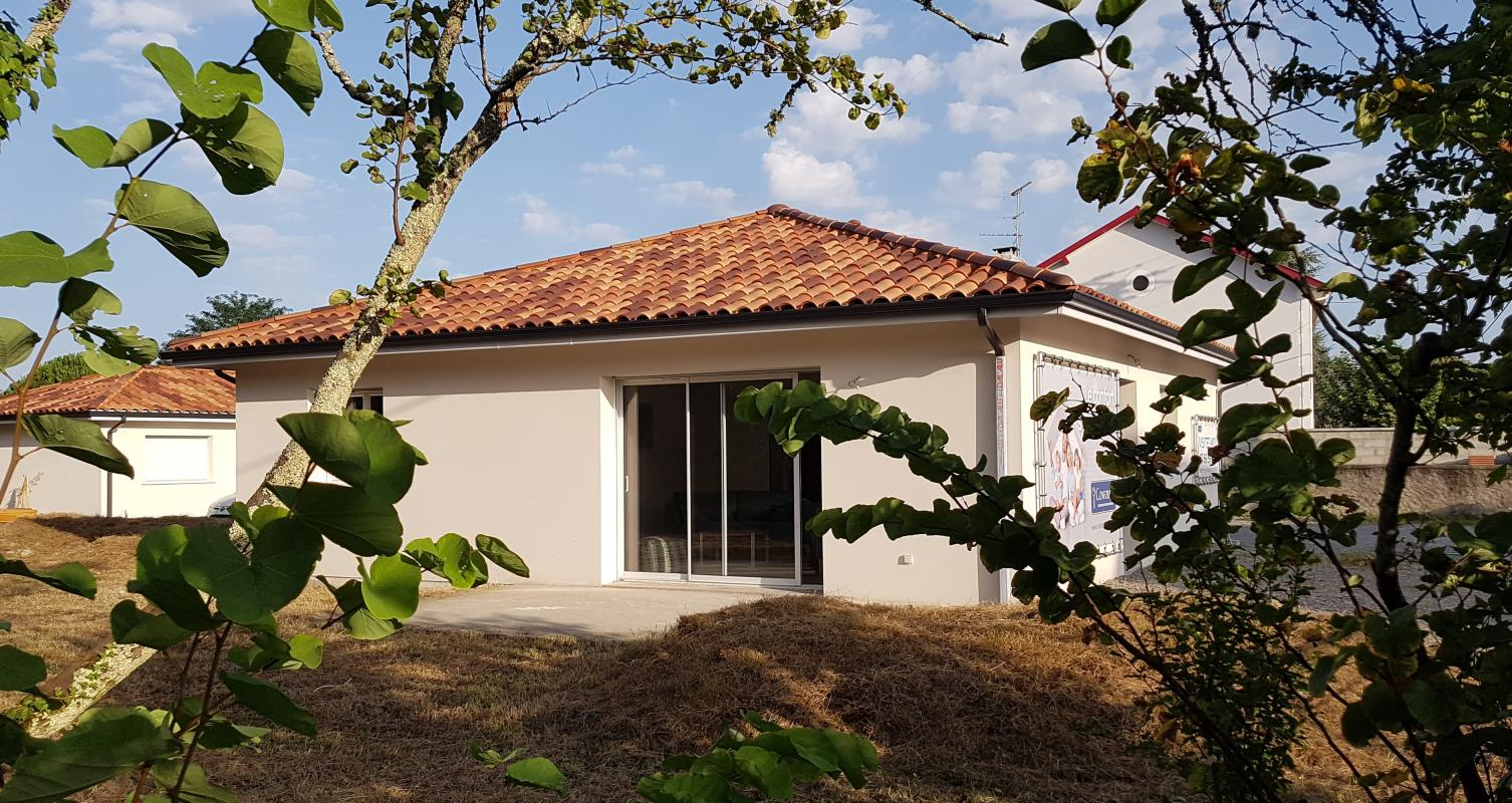 Maisons du constructeur MAISONS CONFORECO - AGENCE MONT DE MARSAN • 90 m² • MEES