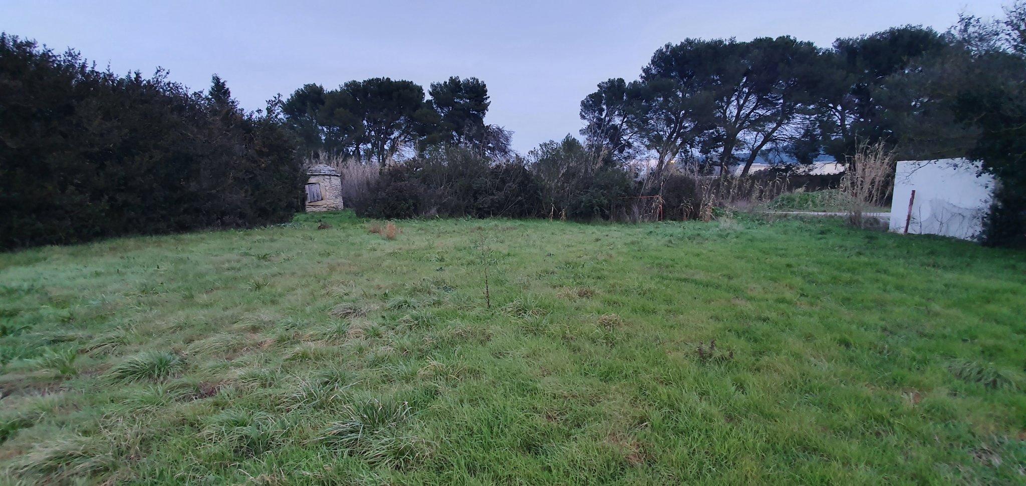 Terrains du constructeur DEMEURES DE PROVENCE SUD • 450 m² • LAMANON