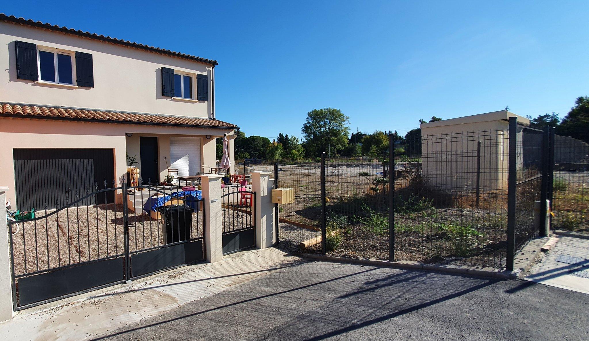 Maisons du constructeur DEMEURES DE PROVENCE SUD • 90 m² • ROBION