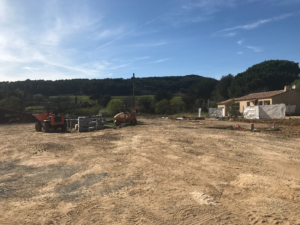 Terrains du constructeur LES MAISONS DE MANON • 568 m² • LE CASTELLET