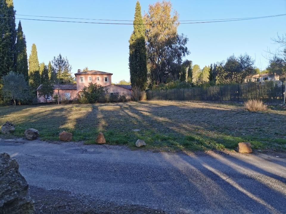 Terrains du constructeur MAISONS FRANCE CONFORT • 1000 m² • BAGNOLS EN FORET