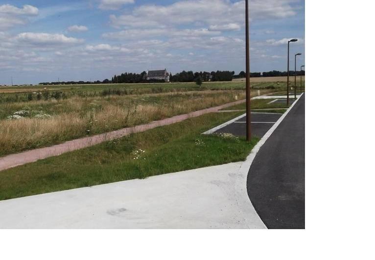 Terrains du constructeur MAISONS FRANCE CONFORT • 559 m² • PETIVILLE