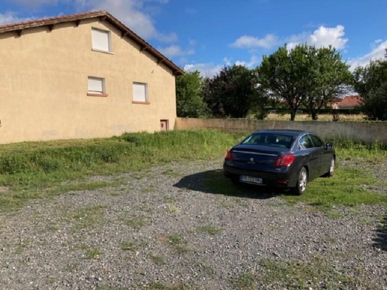 Terrains du constructeur MAISONS FRANCE CONFORT • 479 m² • SAINT ROMAIN LE PUY