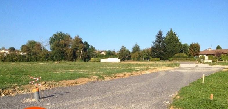 Terrains du constructeur MAISONS FRANCE CONFORT • 730 m² • PONT DE VEYLE
