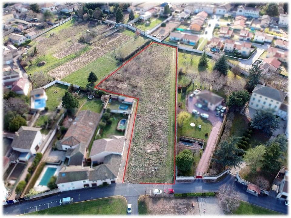 Terrains du constructeur MAISONS FRANCE CONFORT • 380 m² • BELLEVILLE