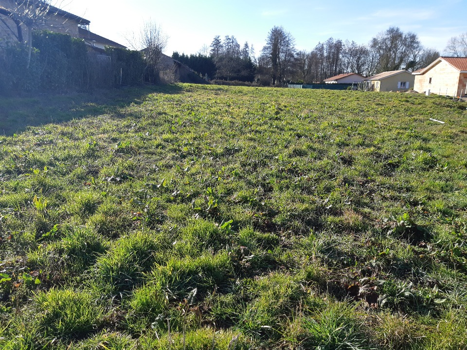 Terrains du constructeur MAISONS FRANCE CONFORT • 720 m² • PONT DE VAUX