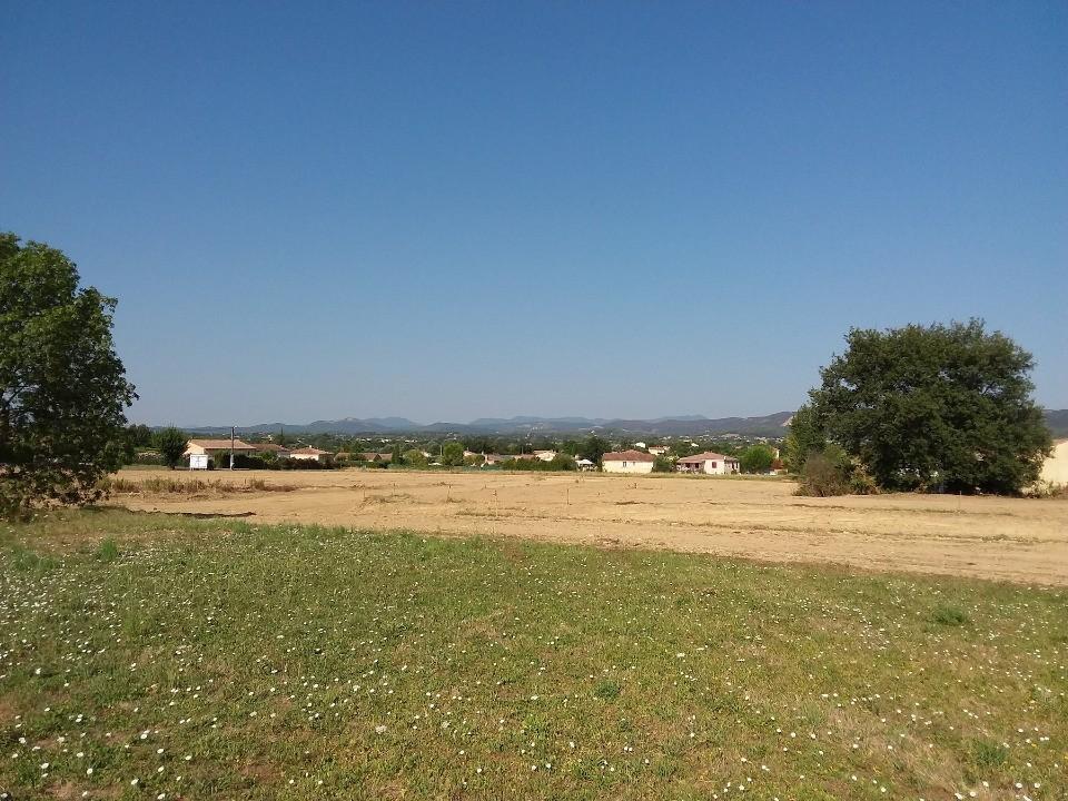 Terrains du constructeur MAISONS FRANCE CONFORT • 323 m² • POMEROLS