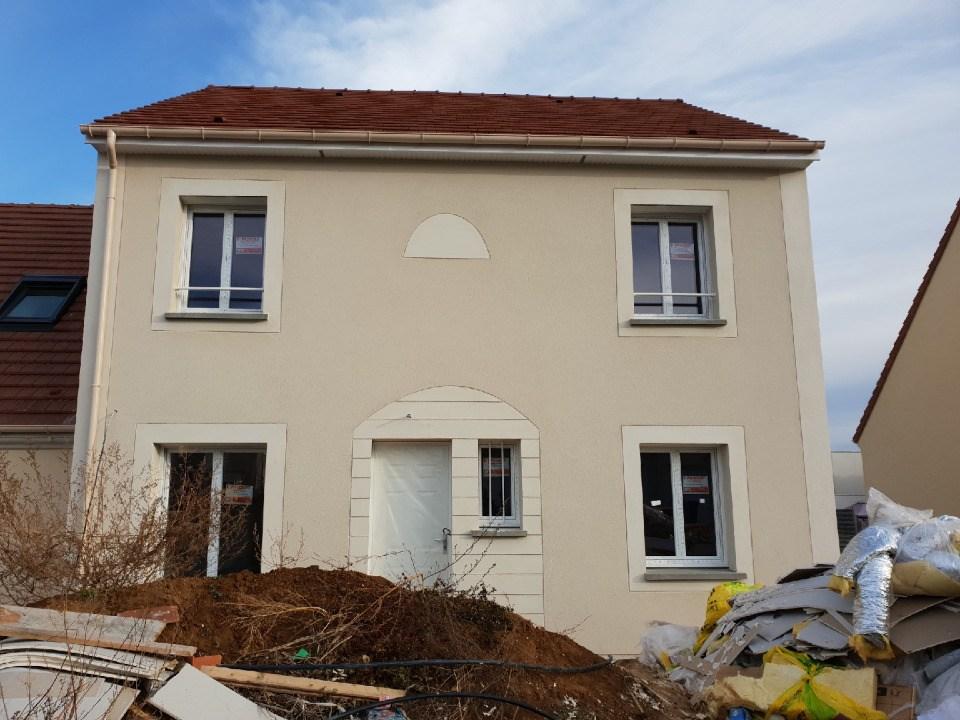Terrains du constructeur MAISONS BALENCY • 245 m² • CERNY