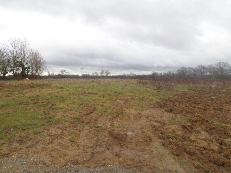Terrains du constructeur MAISONS BALENCY • 588 m² • SAINT MARTIN EN BIERE