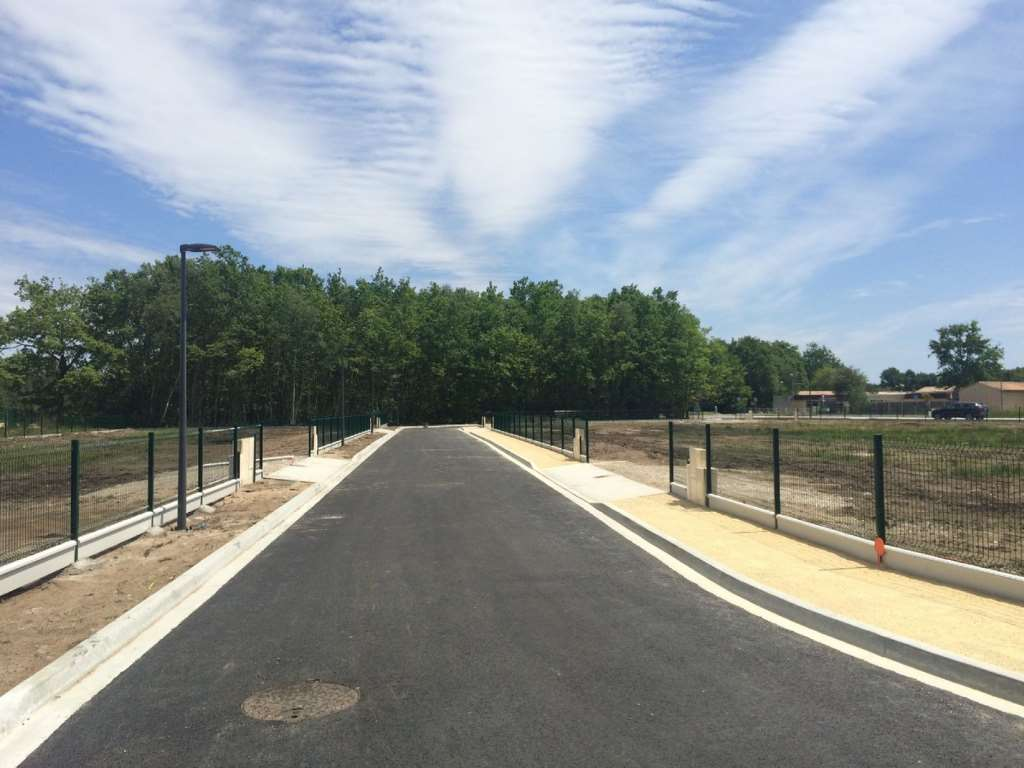 Terrains du constructeur VILLAS LA PROVENCALE • 587 m² • PARADOU