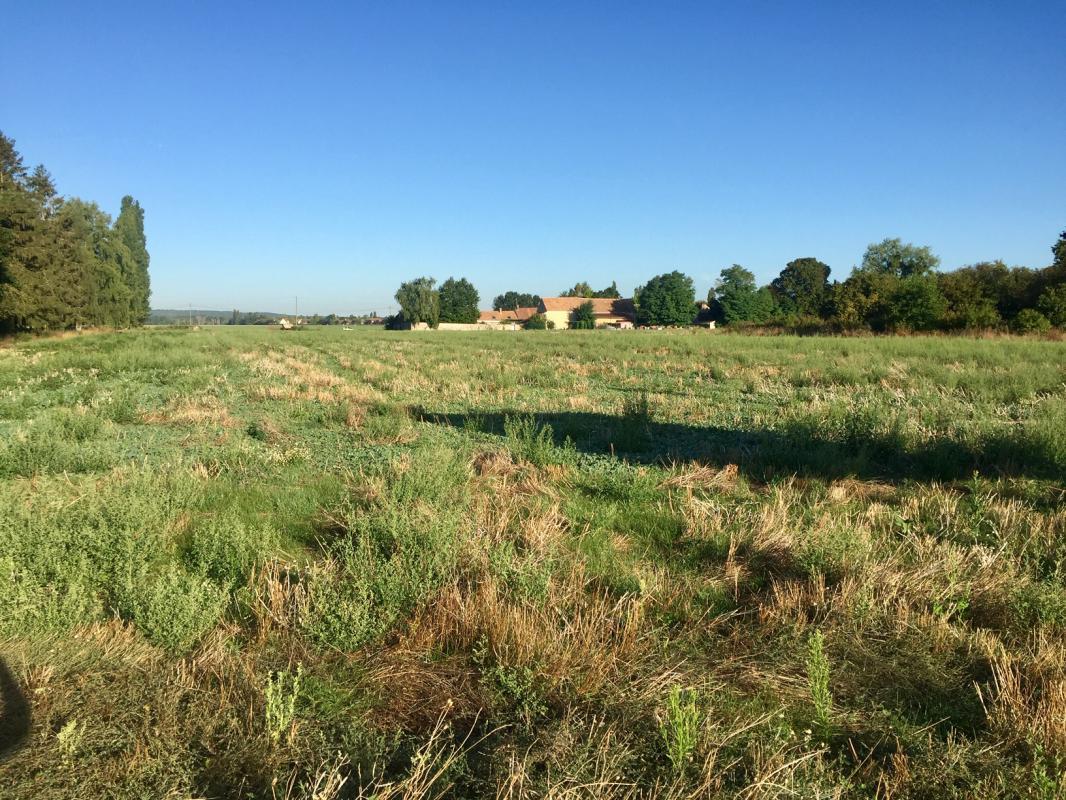 Terrains du constructeur LES MAISONS BARBEY MAILLARD • 800 m² • SAINT MARTIN EN BIERE